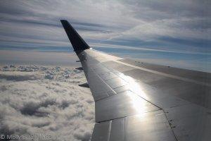 Jet plane wing for flirt post