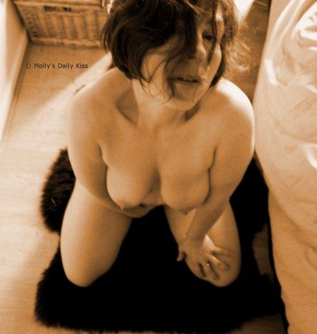 Molly kneel
